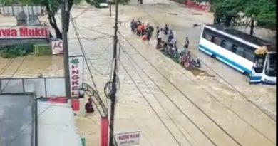 Banjir Lumpuhkan Lintas Karawang – Bekasi